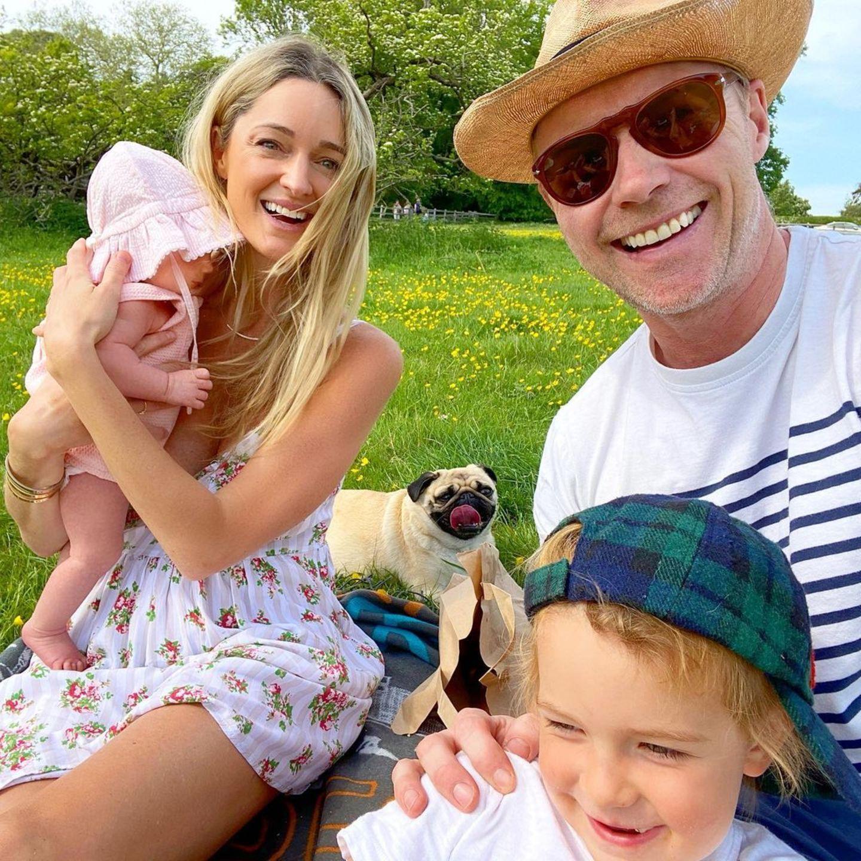 9. Mai 2020  So lässt es sich gut aushalten: Bei angenehmen 25 Grad genießt Familie Keating das Wochenende im Freien.