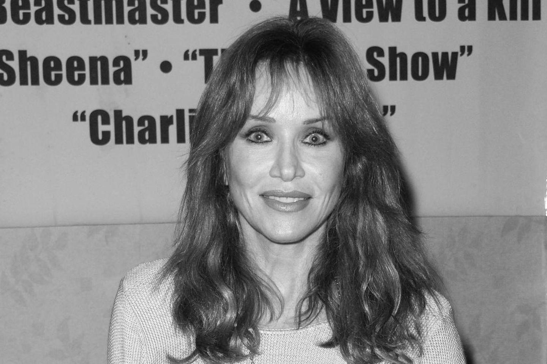 Tanya Roberts (†65)