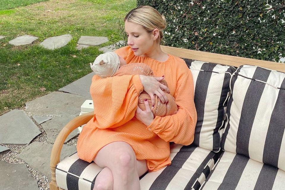 13. Januar 2021  Am 27. Dezember 2020 sind Emma Roberts und Garrett Hedlund Eltern eines Sohnes geworden. Nun zeigt sich die frischgebackene Mutter stolz mit dem Nachwuchs auf Instagram. Der Junge trägt den Namen Rhodes Robert.