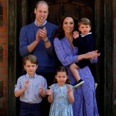 Prinz WilliamundHerzogin Catherineklatschen während des Corona-Lockdowns im April 2020 für den National Health Service, das staatliche Gesundheitssystemin Großbritannien.