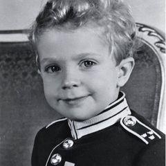 14. Januar 2021  Mit diesem niedlichen Kinderfoto vom damaligen Kronprinzen und heutigem König Carl XVI. Gustaf feiert das Könighausdas 500-jährige Jubiläum der schwedischen Leibgarde.
