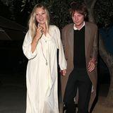 In 2020 und 2021ist es wesentlich ruhiger um Kate Moss geworden, die heute (16. Januar)ihren 47. Geburtstag feiert. Das Model hat sich einen sehr elegantenStyle zugelegt und verbringt viel Zeit mit seinem Freund Nikolai von Bismarck. Beliebt ist die Mutter einer Tochterbei den Modemarken allerdings noch immer.