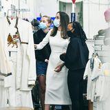9. Januar 2021  Unterwegs mit Shiloh und Zahara besucht Angelina Jolie in L.A. eine äthiopische Boutique. Ob die drei was Schönes gefunden haben?