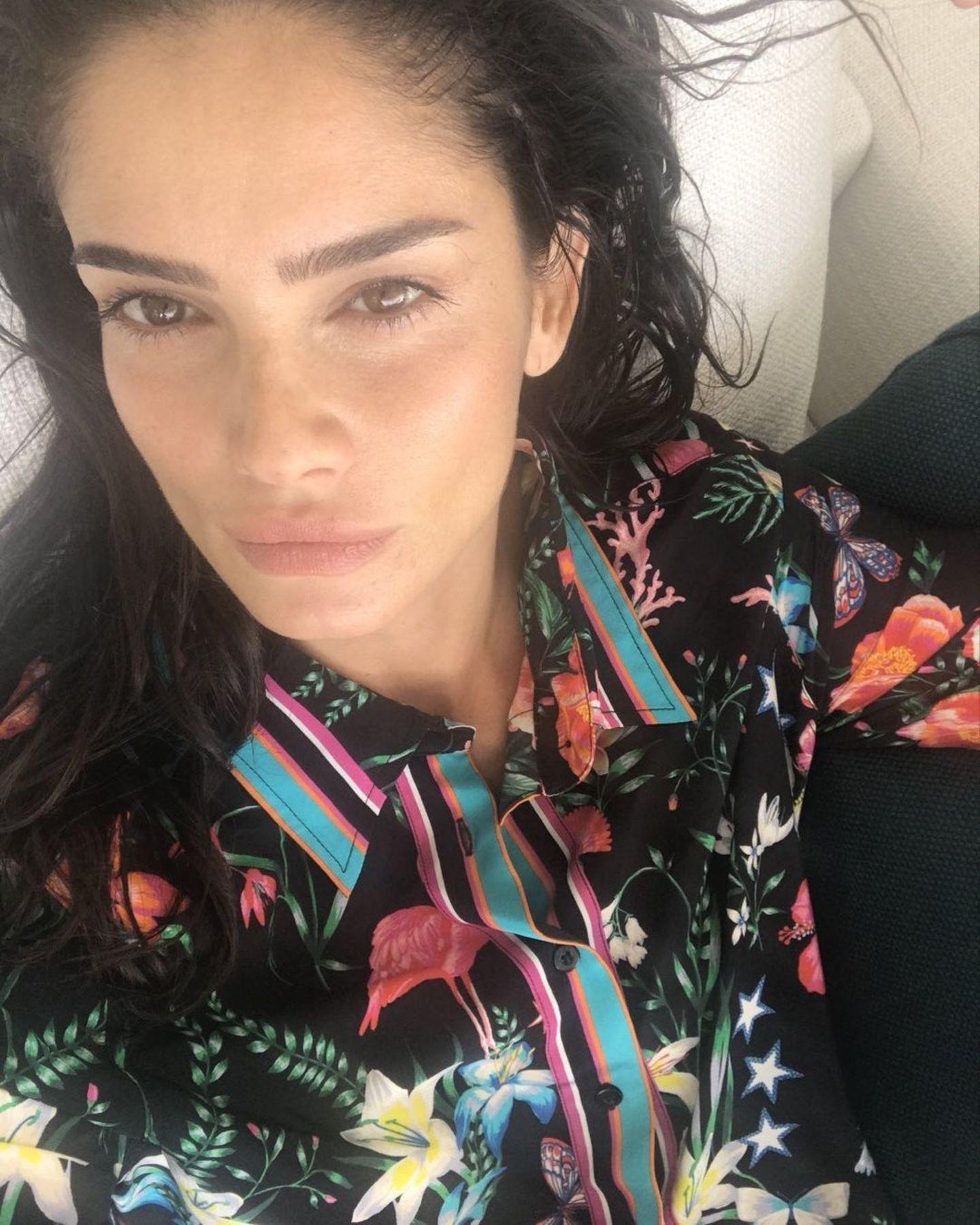 Shermine Shahrivar begeistert ihre Follower mit diesem ungeschminkten Selfie – den Glow hätten wir auch gerne!