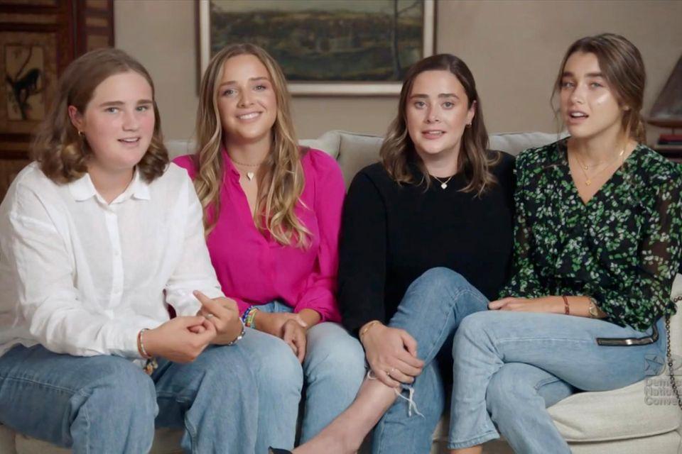Maisy, Finnegan, Naomiund Natalie Biden (v.l.n.r.) treten beim Parteitag der Demokraten im August 2020 auf, um ihren Großvater zu unterstützen.
