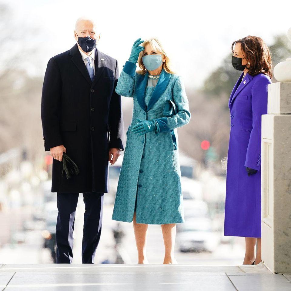 Jill Biden im hellblauen Look bei der Inauguration