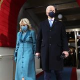 Jill und Joe Biden betreten die Bühne vor dem Kapitol.