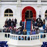 Die Zeremonie, die nach einem strengen Protokoll vorgeht, wird von Demokratin Amy Klobuchar eröffnet. Sie hält eine Rede zu Ehren Bidens.