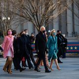 Nicht ohne meine Familie: Die letzten Schritte zum Weißen Haus legtder Präsident nacheiner Autofahrt vom Kapitol zur Pennsylvannia Avenue zu Fuß zurück. Enkelkinder, Kinder und Ehefrau sind wie immer an seiner Seite.