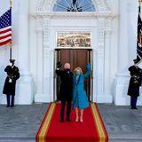 Hello, Mr. President! Hello, First Lady! Das erste Foto der Bidens als US-Präsidentenpaar vor dem Weißen Haus.