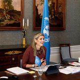 21. Januar 2021  Der Staatsbesuch imSenegal findet in diesem Jahr nur virtuell statt. Königin Máxima hat vom 19. Januar an drei Tage lang wichtige Gesprächemit Präsident Macky Sall und weiteren Minister geführt. Dabei ging es umintegrativeFinanzierungen und damit die Verbesserung von einem großen Teil senegalesischen Bevölkerung. Schon seit 2009 istKöniginMáximaSonderbeauftragtedes UN-Generalsekretärs für finanzielle Inklusion und Entwicklung, und man kann richtig sehen, wieviel Spaß ihr diese Wichtige Arbeit macht.