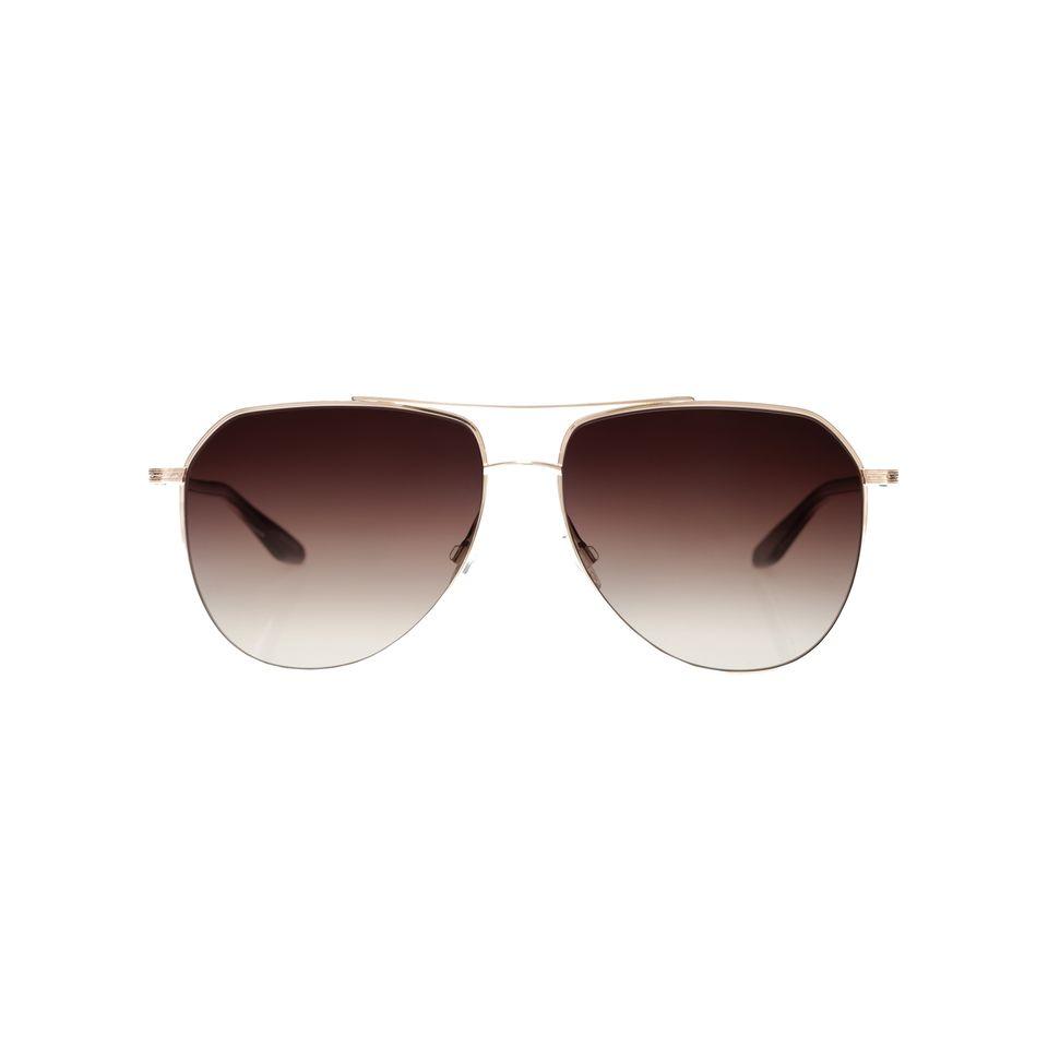 Vorfreude auf die nächsten Sonnen-Tage macht diese Sonnenbrille vonBarton Perreira. Das Schmuckstück kommt in drei unterschiedlichen Farben und wird handgefertigt in Japan, kostet ca. 450 Euro.