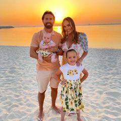 """Wohin nur mit all dem Geld? Klar, nach Dubai! Jay Rutland und Tamara Ecclestone haben ihre Töchter Sophia (""""Fifi"""") und Serena (""""Riri"""") eingepackt und verbringen den kalten Winter lieber im sonnigen und luxuriösen Wüstenstaat."""