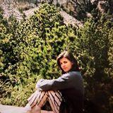 Na, erkennen Sie, wer hier vor demMount Rushmore National Memorial posiert? Es ist Moderatorin Birgit Schrowange. Das Foto entstand vor rund 30 Jahren. Da müssen sogar wir zweimal hinsehen.