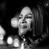 28. Januar 2021: Cicely Tyson (96 Jahre)  Ganz Hollywood trauert um eine Filmikone: Diebeeindruckende Karriere der gebürtigen New Yorkerin erstreckte sich über siebenJahrzehnte, seit ihrer ersten Hauptrolle in einer TV-Serie Anfang der Sechziger Jahre galt Cicely Tyson als Vorbild für unzählige afroamerikanische Schauspieler*innen und Künstler*innen. 2019 wurde der Hollywood-Star, übrigens in den Achtzigern mit Jazz-Legende Miles Davis verheiratet, mit dem Ehrenoscar für ihr Lebenswerk ausgezeichnet. Neben Michelle Obama und Halle Berry machten auch viele andere Stars ihre Trauer auf Instagram öffentlich.