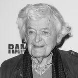 """23. Januar 2021: Hal Holbrook (95 Jahre)  Schauspiellegende Hal Holbrook ist in seinem Haus in Beverly Hills gestorben. Das bestätigt seine persönliche Assistentin Joyce Cohen in der Nacht zum Dienstag (2. Februar) gegenüber der New York Times. Seine Rolle als Schriftsteller Mark Twain macht den amerikanischen Schauspieler berühmt. Für die Ein-Mann-Show, mit der er viele Jahre durch die USA tourt, wird er 1966 sogar mit dem Tony Award ausgezeichnet. Zudem gewinnt er vier Emmys und wird 2008 für seine Nebenrolle in """"Into the Wild"""" für einen Oscar nominiert."""