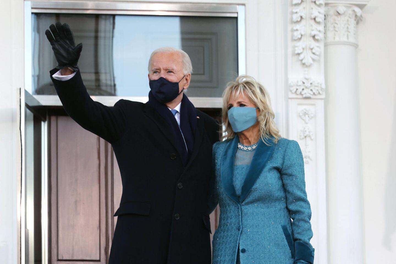 Joe und Jill Biden vor dem Weißen Haus