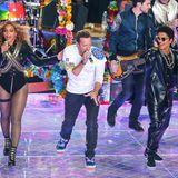 2016  Sexy, lässig und exzentrisch: So könnte man die ungewöhnliche Mischung der Outfits von Beyoncé, Chris Martin und Bruno Mars beim 50. Super Bowl im kalifornischen Santa Clara beschreiben.