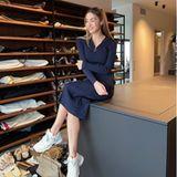 Ein Traum! Der Kleiderschrank in der neuen Düsseldorfer Wohnung von Ann-Kathrin Götze und ihrem Mann Mario lässt Herzen höher schlagen. Das stylische Chaos zu ihren Füßen inklusive! Jetzt willAnn-Kathrineinige Designerteile verkaufen. Vielleicht um Platz für neue zu schaffen?