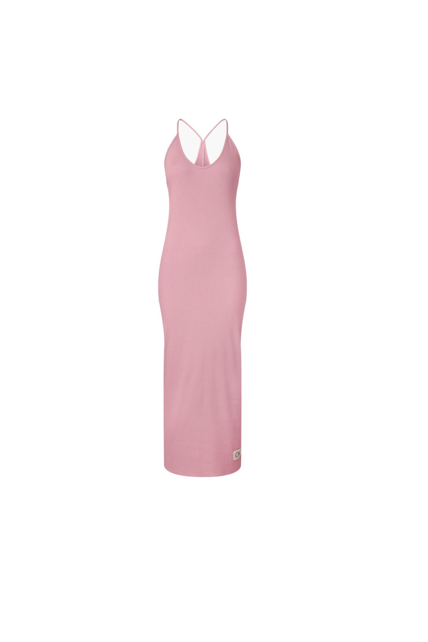 Alle Fashion-Zeichen stehen derzeit aufKomfort. Wie stylisch gerippte Baumwolle sein kann, zeigt dieses rosefarbeneLoungewear-Kleid mit Spaghetti-Trägern und in Maxi-Länge. Das wollen wir gar nicht mehr ausziehen. Von Calvin Klein, kostet ca. 55 Euro