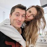 Robert Lewandowski liebt seine Traumfrau Anna, das betont der Fußballer mit diesem süßen Pärchenfoto zum Valentinstag noch mal ausdrücklich.