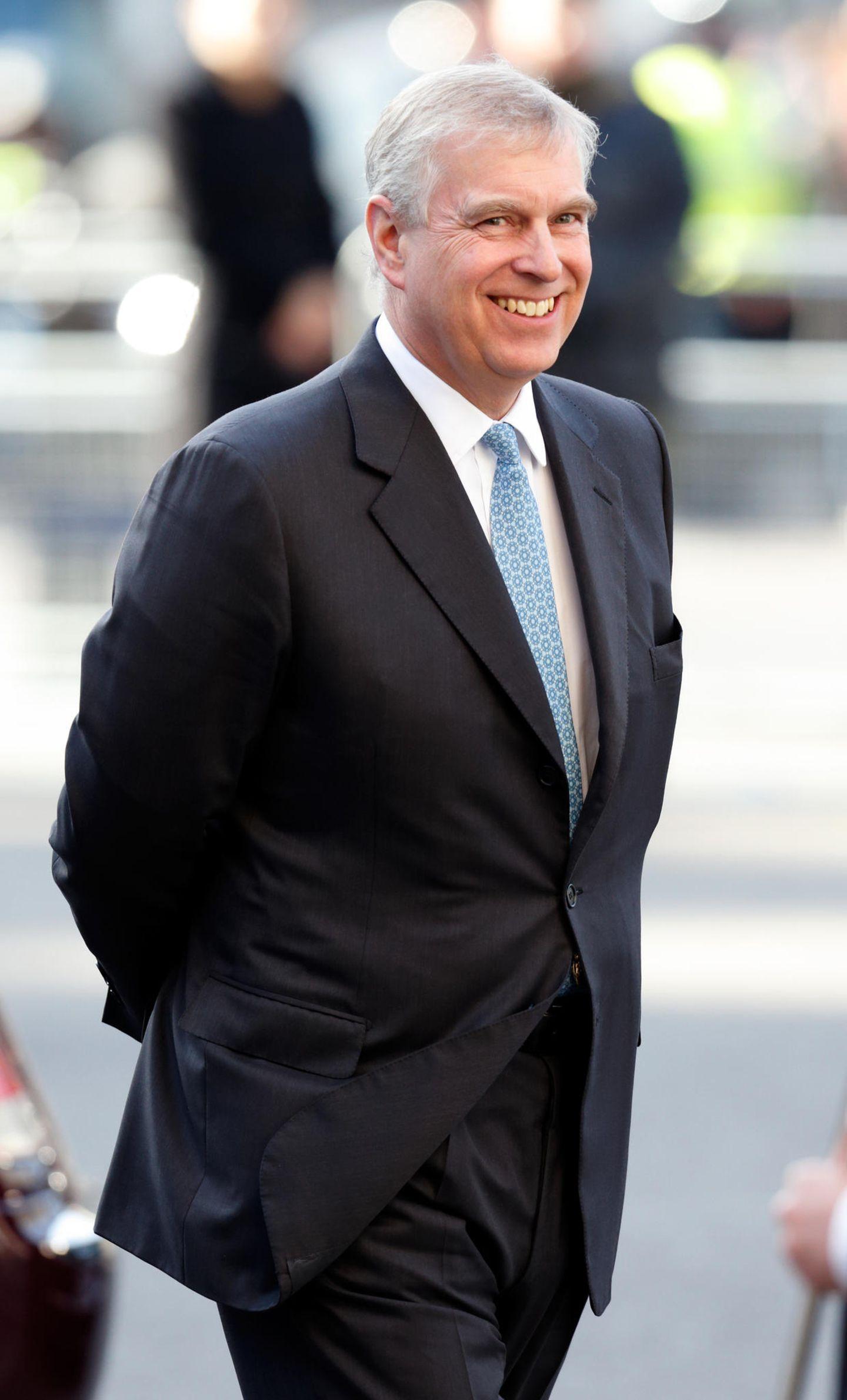 Platz 9  Prinz Andrew, der zweitgeboreneSohn von Queen Elizabeth und Prinz Philip
