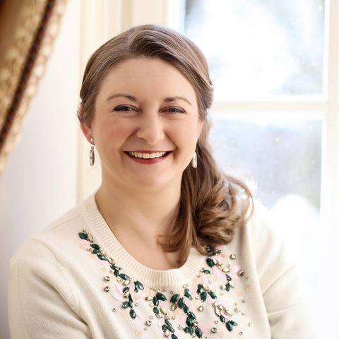 18. Februar 2021  Herzlichen Glückwunsch! Stéphanie von Luxemburg hat heute ihren 37. Geburtstag, den sie aufgrund der aktuellen Umstände allerdingsim kleinen Kreis feiert. Doch anlässlich ihres Ehrentags wurden schöne neue Porträtbilder aufgenommen, auf denen die Erbgroßherzogin strahlt.
