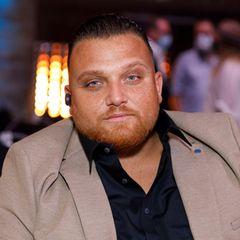 Ex-DSDS-Teilnehmer Menowin Fröhlich hat immer wieder mit seinem Gewicht zu kämpfen. Erst im Frühling 2020 hat der Sänger rund 20 Kilo abgenommen. Immer öfter zeigt sich der 33-Jährige in Sportkleidung auf seinem Instagram-Account. Und sein Abnehmerfolg geht noch weiter.