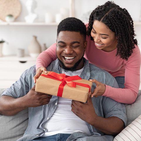 Geschenk Bruder, Überraschung, Geschenk von Frau