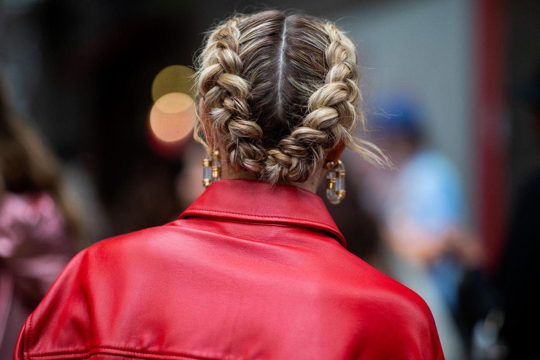 Flechtfrisuren für kurze Haare sind leicht nachgestylt