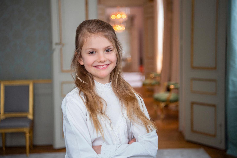 23. Februar 2021  Herzlichen Glückwunsch, Prinzessin Estelle! Heute ist ihr 9. Geburtstag. Aus diesem Anlass veröffentlicht der Hof eine Reihe neuer Fotos.