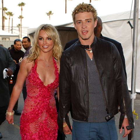 "Britney Spears und Justin Timberlake 2002 bei den ""American Music Awards"" in Los Angeles."