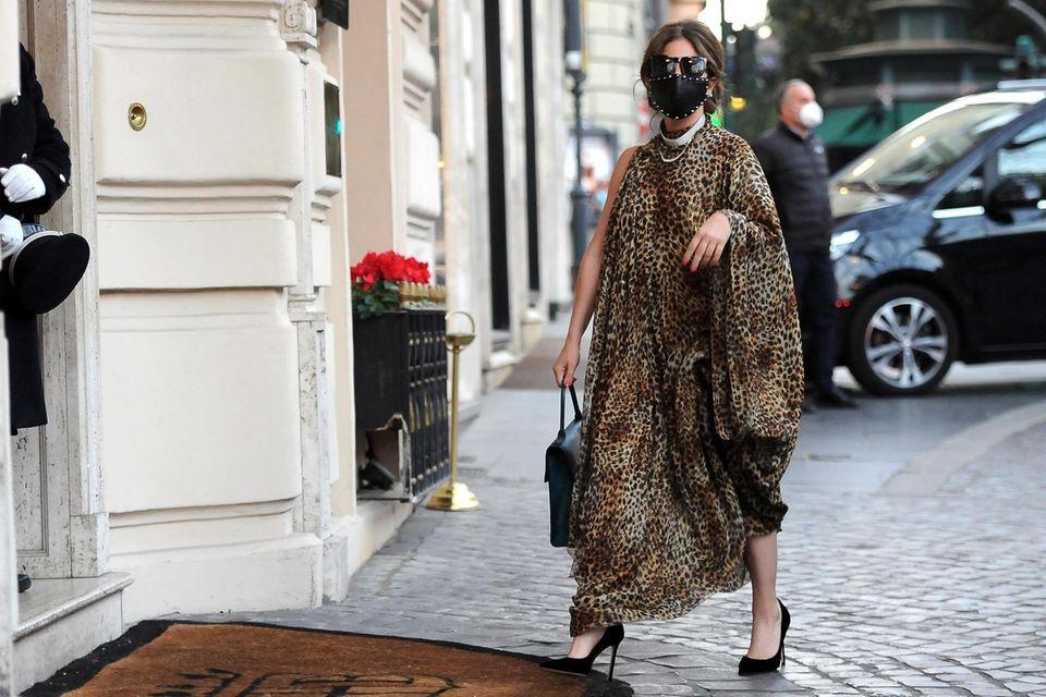 Lady Gaga im Leo-Tunika-Kleid