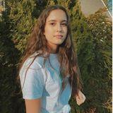 Maya Lauterbach schauspielert genau wie ihre Eltern. Und auch das Aussehen hat sie ganz deutlich von ihnen geerbt. Auf ihrem Instagram-Account gewährt sie immer wieder Einblicke in ihr cooles Leben: London, München oder Südafrika, die 18-Jährige erlebt einiges.