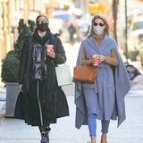 25. Februar 2021  Es gibt doch nichts Schöneres, als sich mit der besten Freundin auf einen Plausch zu treffen. Das haben sich auch Olivia Palermo und Nicky gedacht: Gemeinsam schlendern sie Kaffee trinkend durch die Straßen von New York.