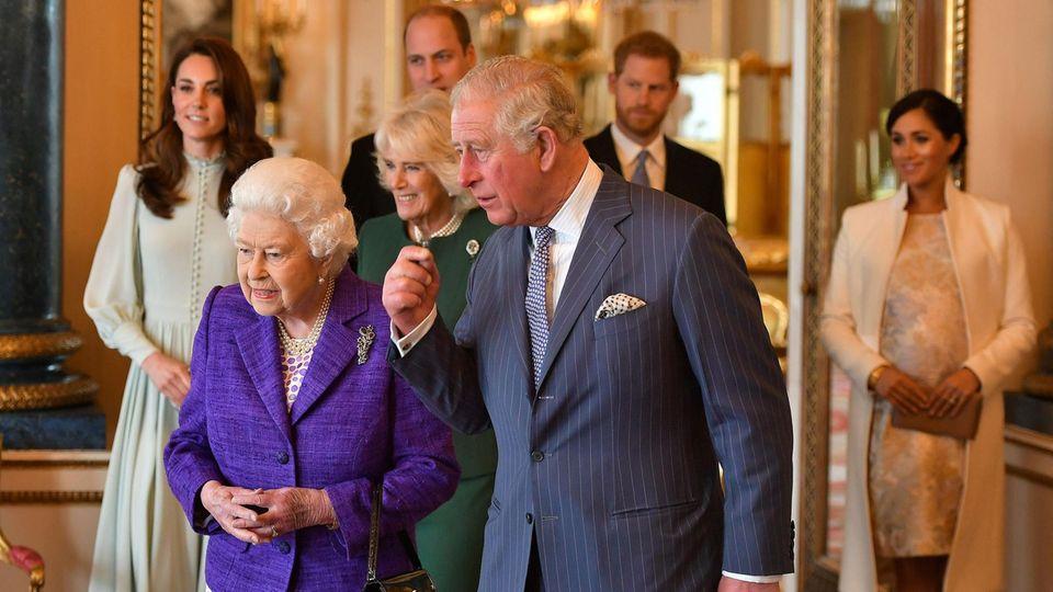 Queen Elizabeth, Prinz Charles, Herzogin Catherine und Co.