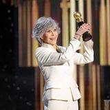 """Hollywood-Ikone Jane Fonda ist persönlich vorbeigekommen, um denGolden-Globe-Ehrenpreis """"Cecil B. DeMille Award""""abzuholen. Damit wir die Schauspielerin und Polit-Aktivistin für ihr Lebenswerk geehrt."""