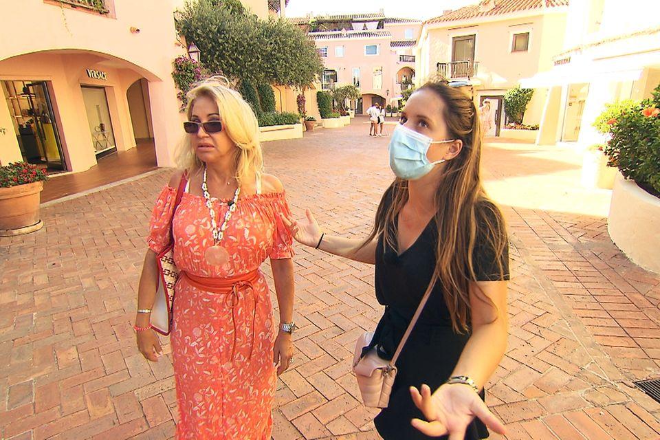 Beim gemeinsamen Einkaufen knallt es zwischen Carmen Geiss und Tochter Davina.
