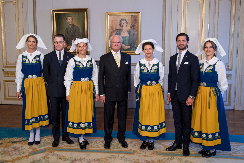 Die schwedischen Royals (v.l.n.r.): Prinzessin Madeleine, Prinz Daniel, Prinzessin Victoria, König Carl Gustaf, Königin Silvia, Prinz Carl Philip und Prinzessin Sofia