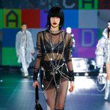 Nun ja, alltagstauglich sind die Looks von Dolce & Gabbana nicht unbedingt – ein Hingucker aber allemal.