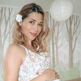 Wahnsinn! Der Babybauch von TanjaSzewczenko scheint explodiert zu sein. Die 43-Jährige ist in der 27. Schwangerschaftswoche und die Freude kann man ihr richtig ansehen. Sie passt nicht nur kleidertechnisch perfekt ins frisch tapezierte Kinderzimmer, auch ihr Strahlen ist richtig anstreckend.