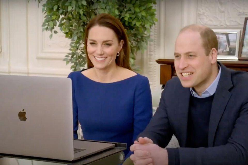 Herzogin Catherine und Prinz William im Video-Call.