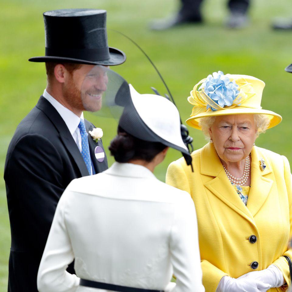 Prinz Harry und Herzogin Meghan mit Queen Elizabeth