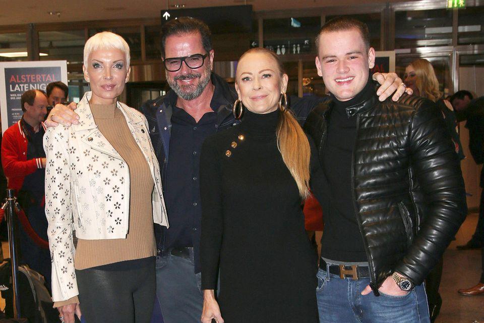 Britt und Alex Jolig mit Jenny Elvers und Sohn Paul Elvers