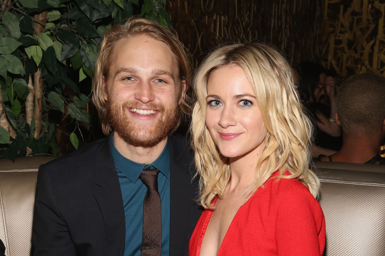 Wyatt Russell und Meredith Hagner