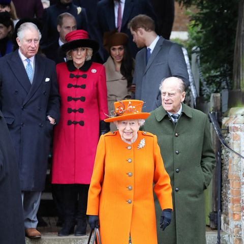 Die königliche Familie, hier noch mit Meghan und Prinz Harry, beim Weihnachtsgottesdienst 2017 in King's Lynn.