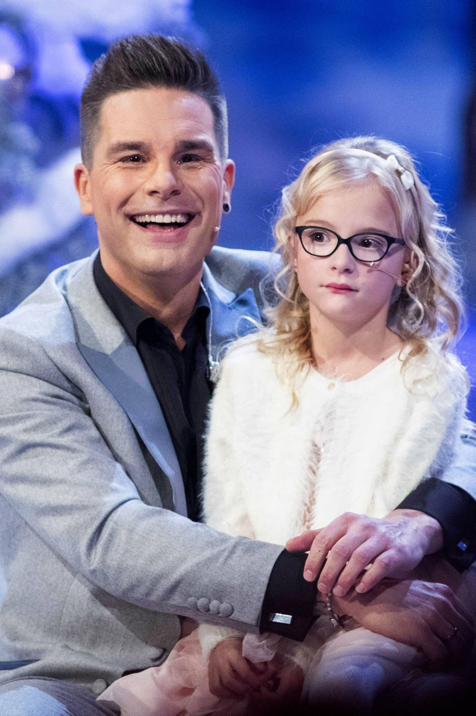 """Eloy de Jong mit Tochter Indy beider ARD-Liveshow """"Das Adventsfest der 100.000 Lichter"""""""