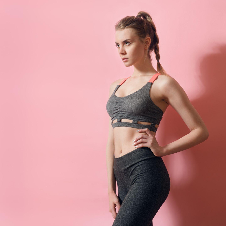 Sportmotivation: Frau in Sportkleidung