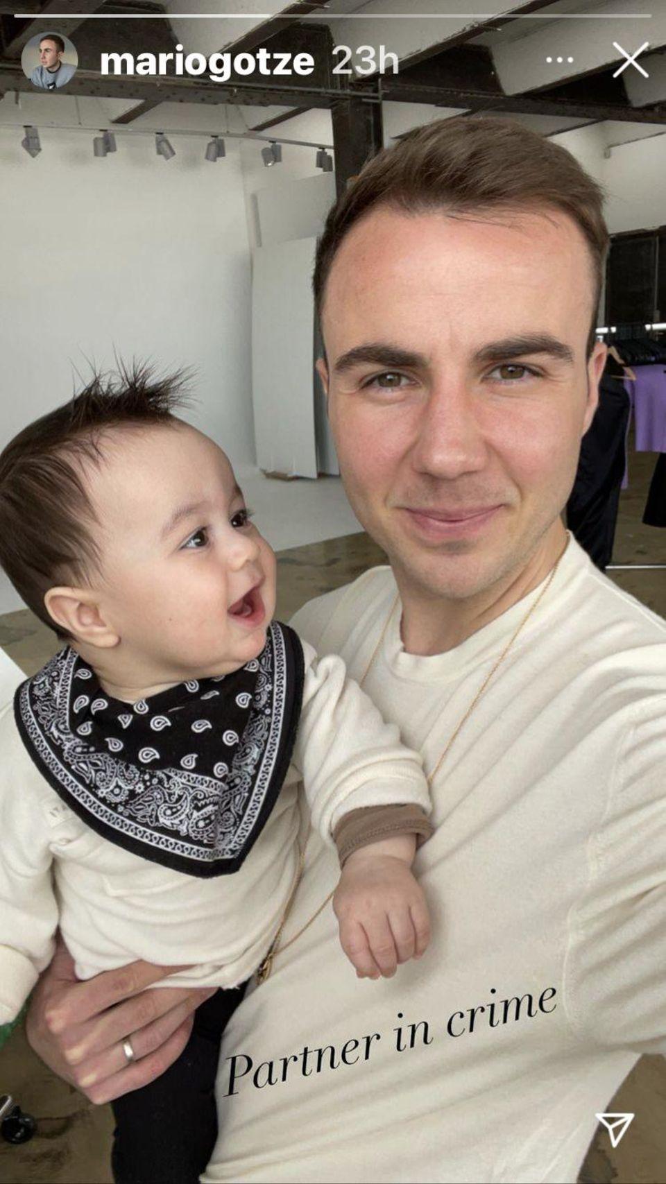 Mario Götze mit Sohn Rome