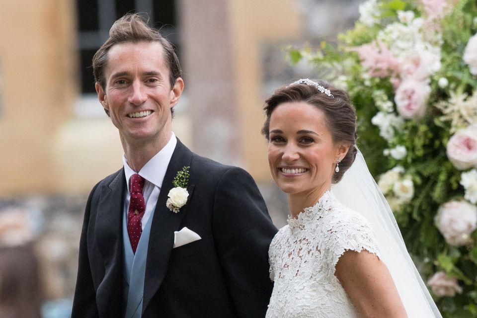 James Matthews und Pippa Middleton strahlen am Tag ihrer Hochzeit im Mai 2017 um die Wette.